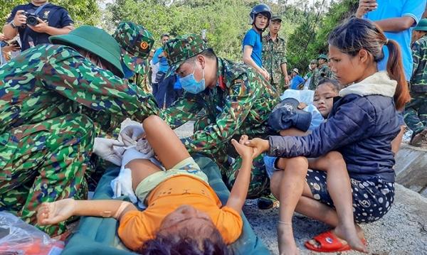 Quảng Nam: Cứu sống được 33 người, tìm thấy 6 thi thể, còn 13 người mất tích trong vụ sạt lở ở Trà Leng