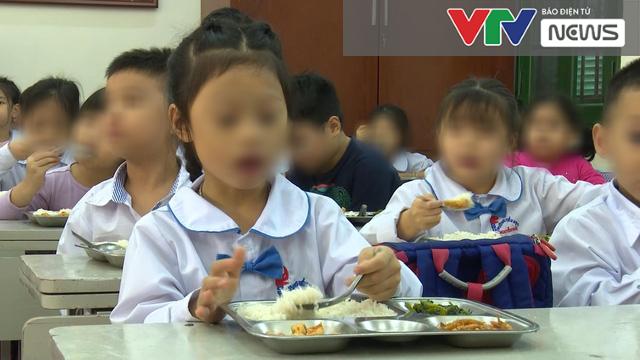 Hà Nội: Xác định nguyên nhân hàng trăm học sinh nghỉ học bất thường