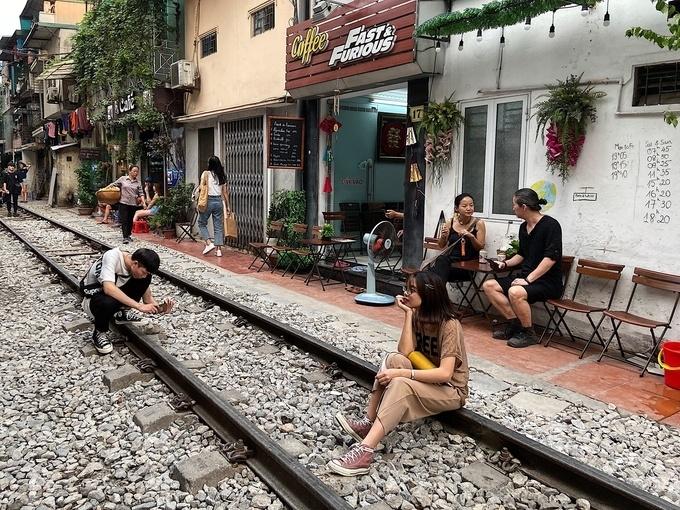 Hà Nội sẽ xóa hơn 200 lối đi tự mở qua đường sắt trước năm 2025