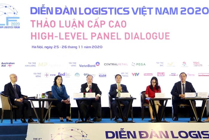 Phó Chủ tịch Thường trực UBND TP Hà Nội Nguyễn Văn Sửu phát biểu tại Diễn đàn