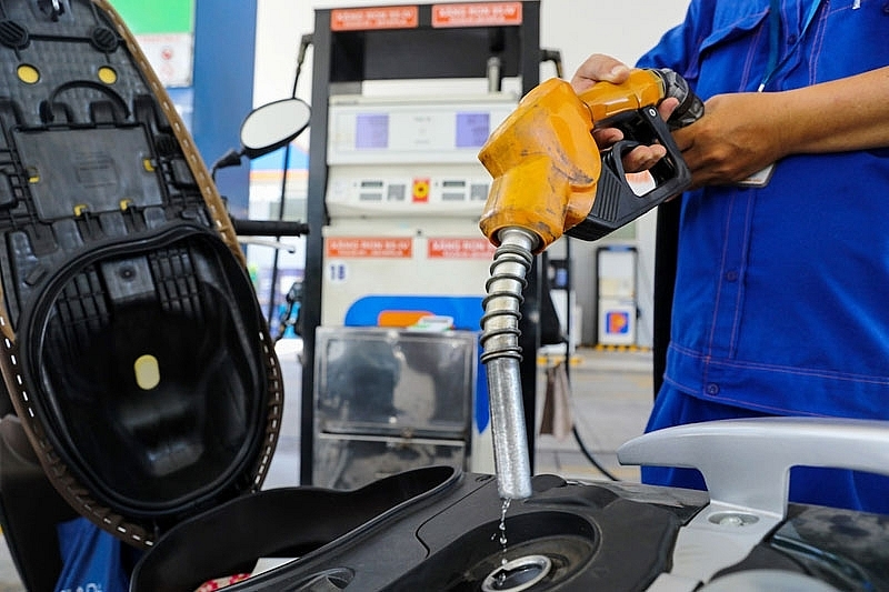Giá xăng đồng loạt tăng từ chiều nay