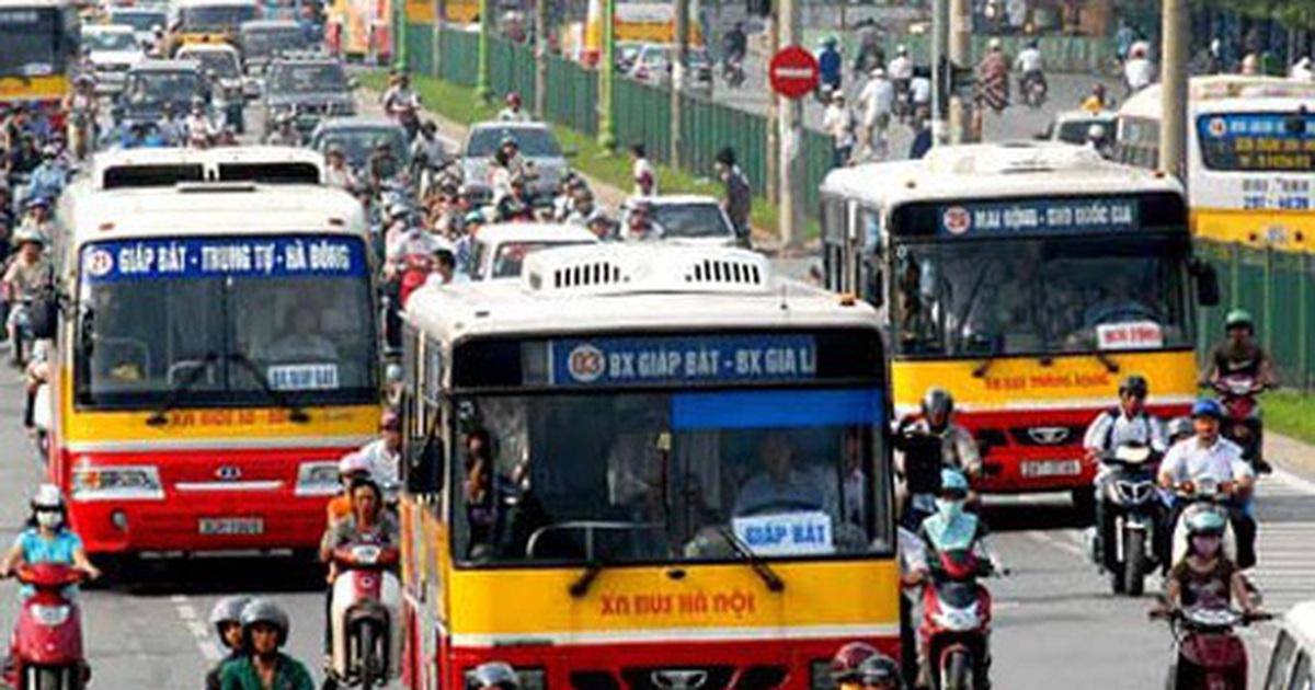 """Hà Nội: Khách xe buýt giảm """"sốc"""", nhiều tuyến nguy cơ dừng chạy vì lỗ nặng"""