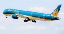 Máy bay chở U22 và đoàn thể thao Việt Nam đáp xuống sân bay Nội Bài lúc mấy giờ?