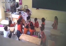 """Hà Nội lại """"nóng"""" vụ giáo viên đánh học sinh, có nên lắp camera lớp học?"""
