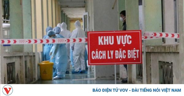 Cách ly tại nhà từ vụ nam tiếp viên Vietnam Airlines mắc Covid-19: Ai quản, quản ai?