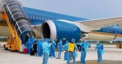 Hà Nội yêu cầu xử lý 3 tiếp viên hàng không vi phạm quy định cách ly