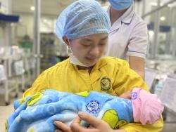 Cứu sống 2 mẹ con sản phụ mang thai 30 tuần gần chết não
