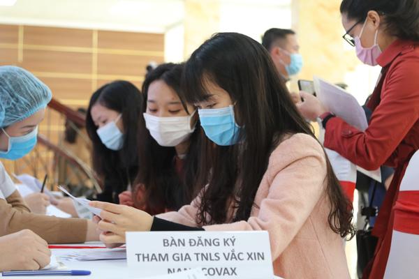 Việt Nam tuyển 10.000 người tham gia thử nghiệm vắc xin