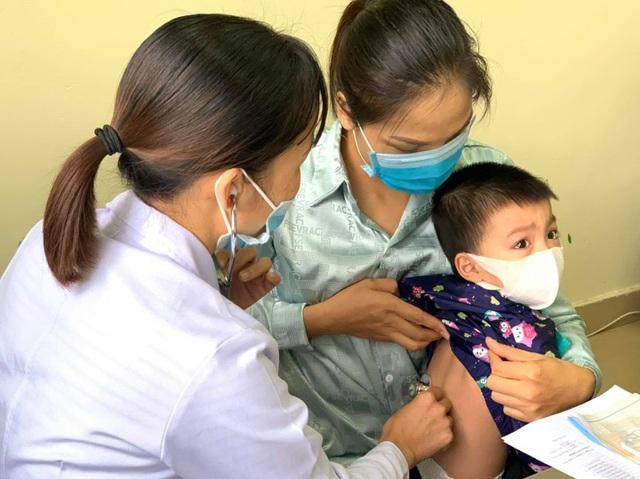 Rét đậm, rét hại: Đoán bệnh qua màu nước mũi của trẻ - 1