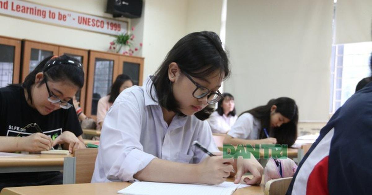 Hà Nội: Nghi lộ đề, gần 3.000 học sinh lớp 9 bất ngờ dừng kiểm tra học kì